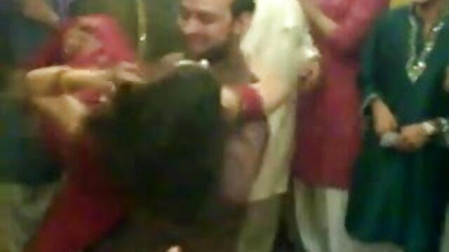 ટૂંકા ઓપન પીચર વીડીયો વાળ સચિવ કરવામાં છોકરી શાળા માટે વિરામ દરમિયાન