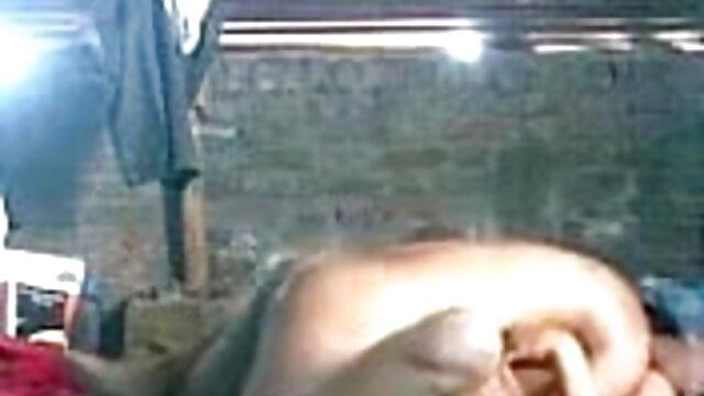 કલાપ્રેમી રશિયન પોર્ન દેશમાં સનીલીયોન ના સેકસી બીપી વીડીયો