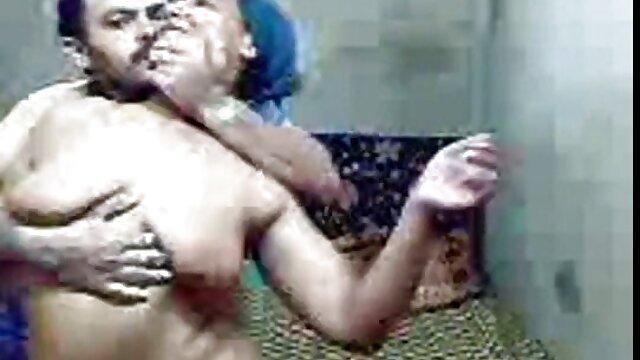 સેક્સ પર એક છુપાયેલા કેમેરા બાથરૂમમાં બીપી સેક્સ વીડીયો ઇંગ્લીશ