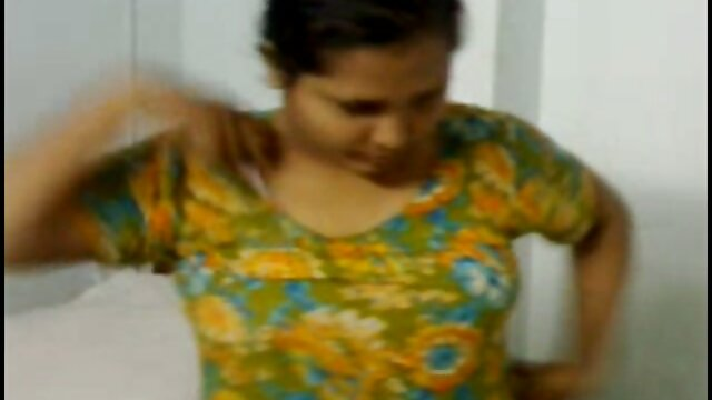 પાડોશી પુત્ર આપે છે એક છોકરી ના મોઢા માં નાખી સીડી બીપી વીડીયો સેકસી વીડિયો પર