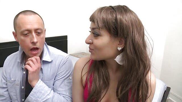 પોર્ન મીની એક્સ વીડીયો બીપી પીચર સ્કર્ટ પર આગ